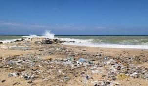 Karaburun Plajı Çok Kirli! Vatandaşlar Şikayetçi…