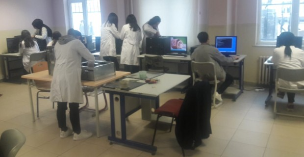 Mehmet Akif Ersoy Lisesi Projeye Doymuyor