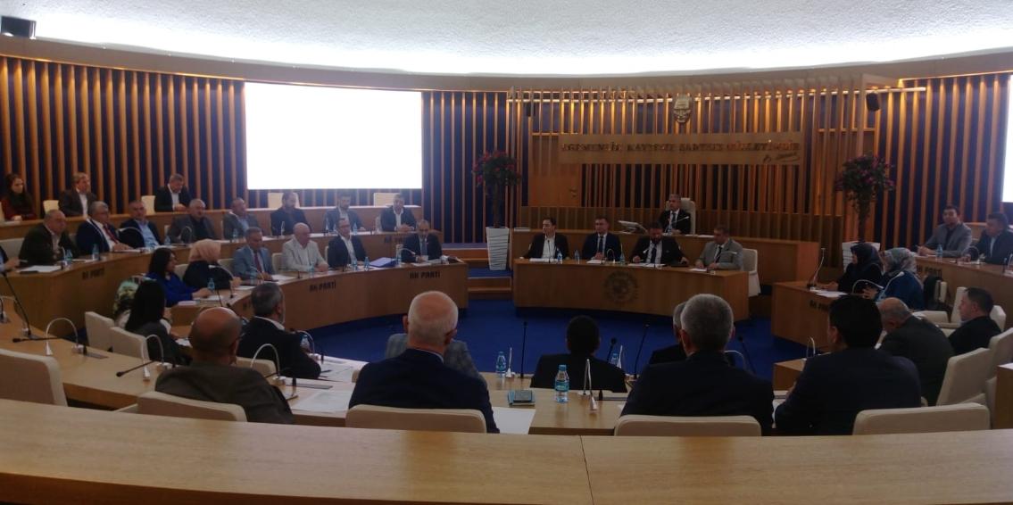 Meclis Toplantısına Yeni Spor Salonundaki Fiyat Tarifesi Damga Vurdu